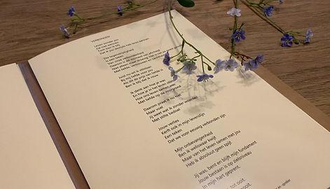 Gedicht 'Verbonden' - Esther Mostert