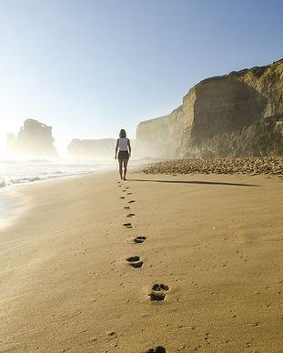 voetstappen strand.jpg