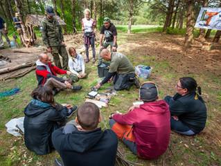 Stacjonarne Szkolenie Survivalowo Bushcraftowe Szarłat