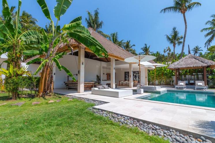 Villa Hidden Pearl Garden and pool.jpeg