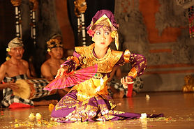 Bali_dancers_ubud.jpg