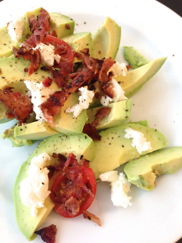 AVOCADO SALAD WITH BACON & GOAT CHEESE