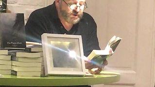"Peter Grünig liest aus ""Das Puppenhaus"""