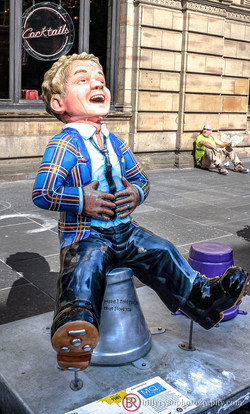 laughing-statue-scotland-editorial.jpg
