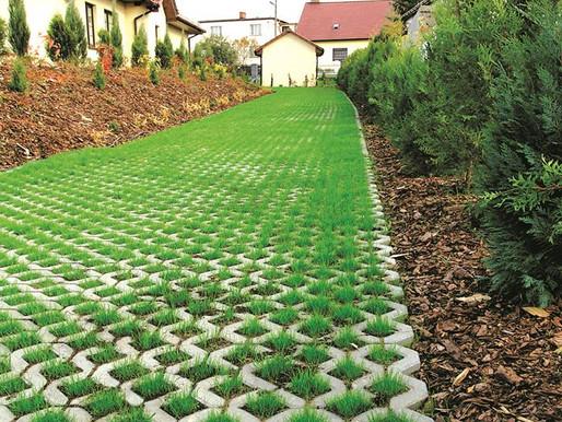 Odprowadzanie wody deszczowej kontra utwardzenie terenu.