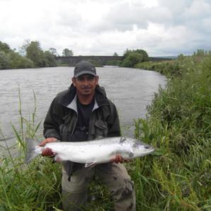 Alleyne 15lbs salmon June 2012.jpg