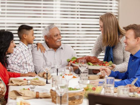 10 Warning Signs To Look For When You Visit A Senior This Holiday Season