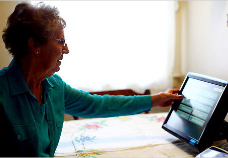 5 Tools to Help Keep Elderly Relatives Safe