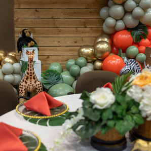mom to be table and backdrop.jpg
