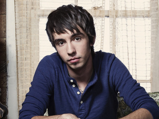 Interview with Mo Pitney!