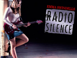 Emma Swindells tops iTunes Country chart with new EP Radio Silence!