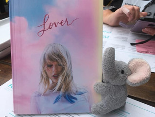Merry Swiftmas: Taylor Swift drops her 7th masterpiece, sorry, album and demonstrates her Songwritin