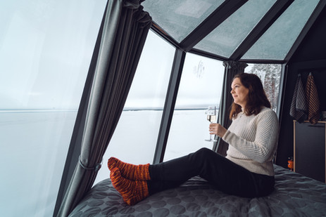 arctic-lake-experience-oulujarvi-iglu-sc