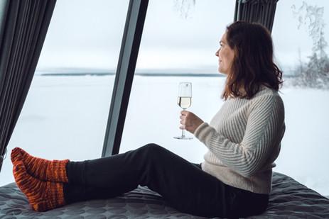 arctic-lake-experience-oulujarvi-iglu-ku