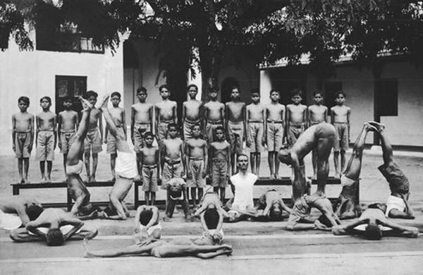 immagine tratta dal sito es.wikipedia.org/wiki/Yoga