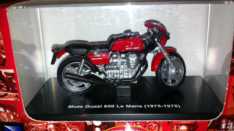 Leksak Moto Guzzi 850 Le Mans (1975-1978)