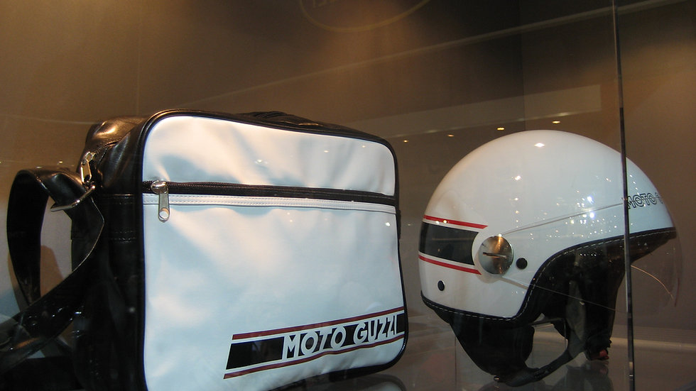 Väska & Hjälm Moto Guzzi