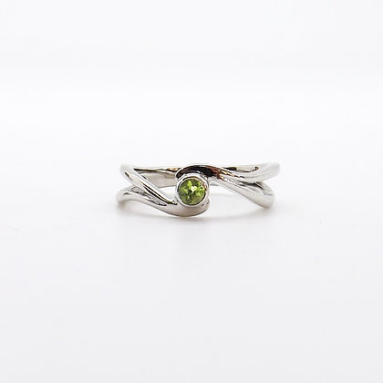 August, Peridot Set  Birthstone Twist Ring