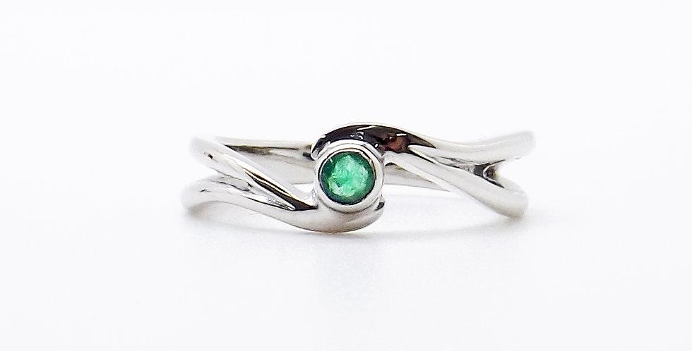 May, Emerald Set Silver Birthstone Twist Ring