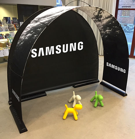 Samsung Messestand mit Bannerbow