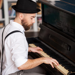 Adult Piano Lessons Swindon