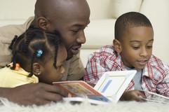 black-father_children_read