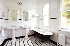 Master koupelna v retro stylu