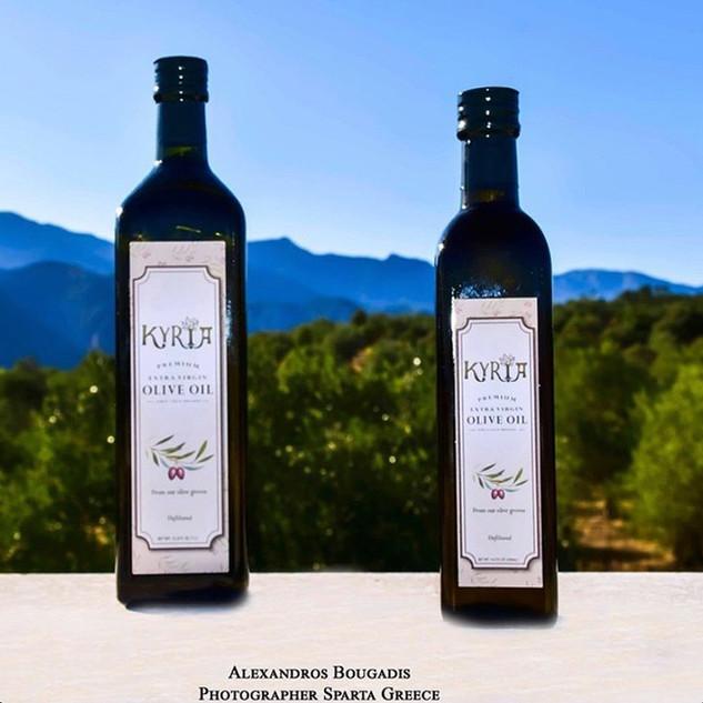 500mL & 1L Cold-Pressed Extra Virgin Olive Oil