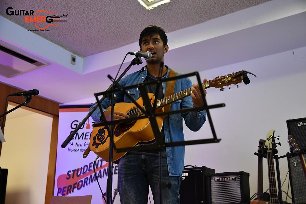 Raghav (Singer / Acoustic Guitarist)