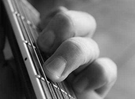 10 Guitar Playing Tips For Beginner