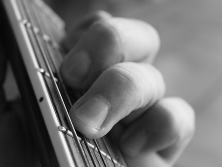 10 Guitar Playing Tips For Beginner