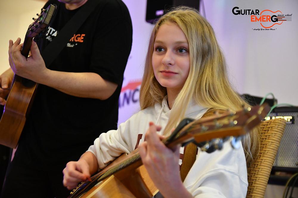 Charlotte (Acoustic Guitarist)