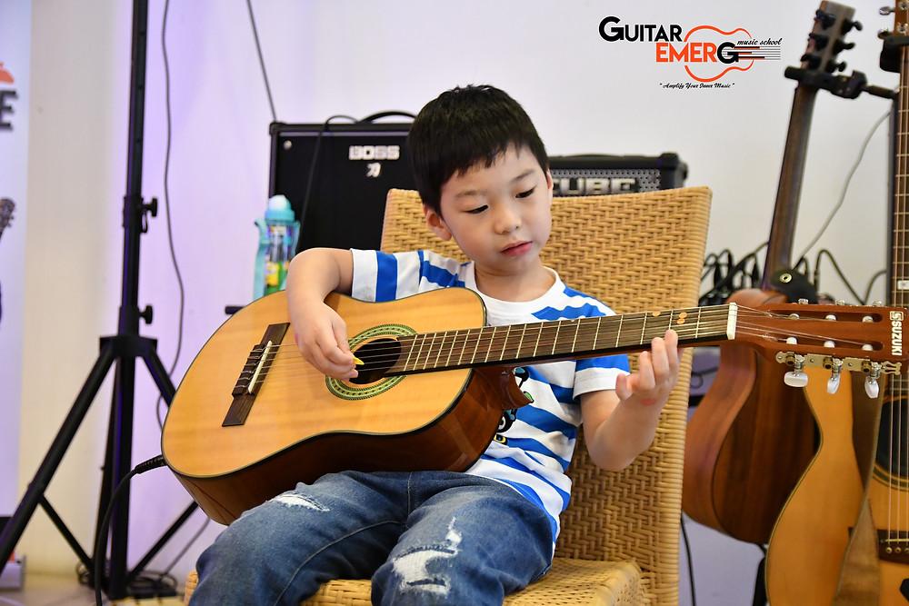 Jaden (Acoustic Guitarist)