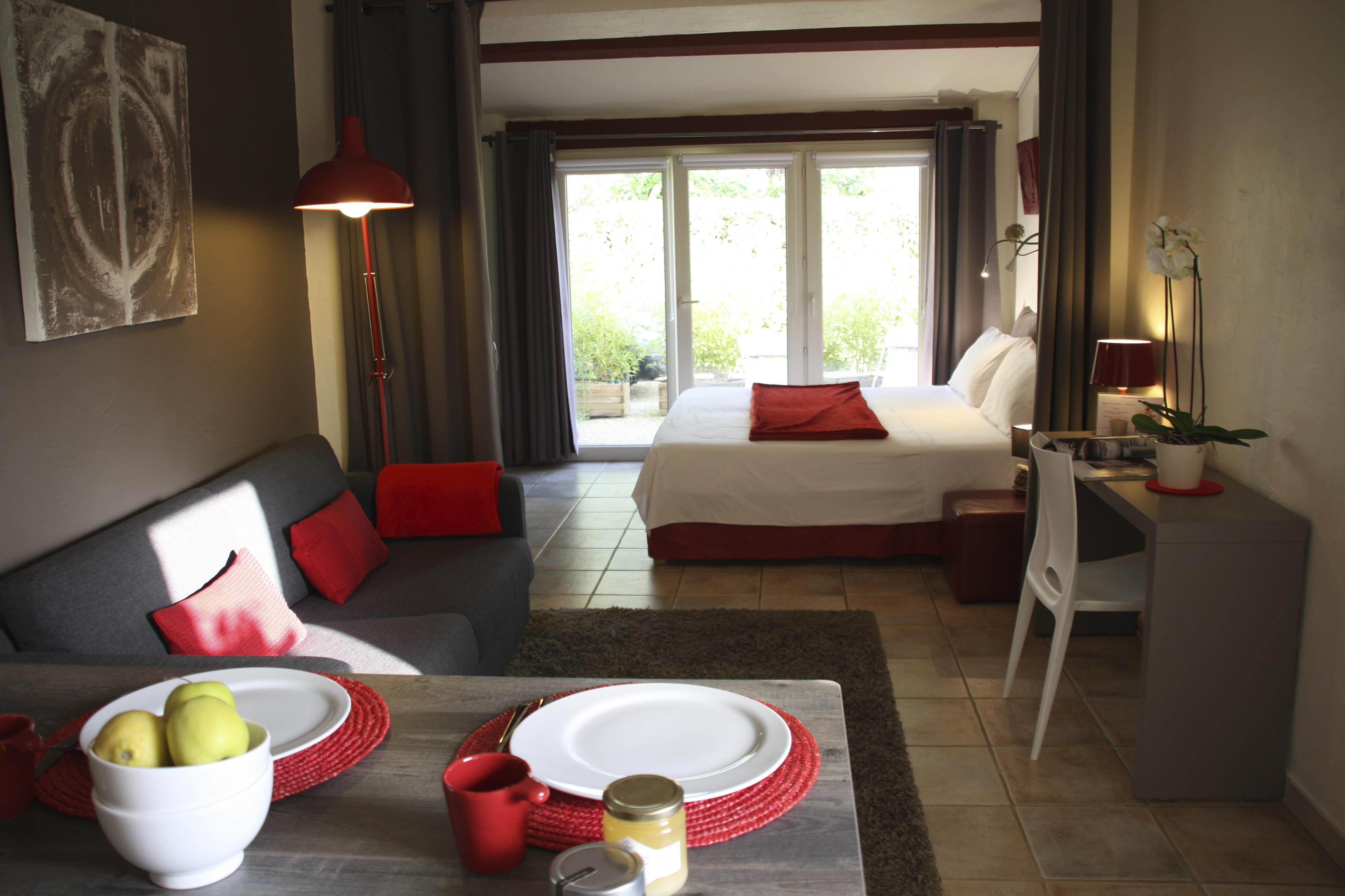 Deluxe Suite Rouge