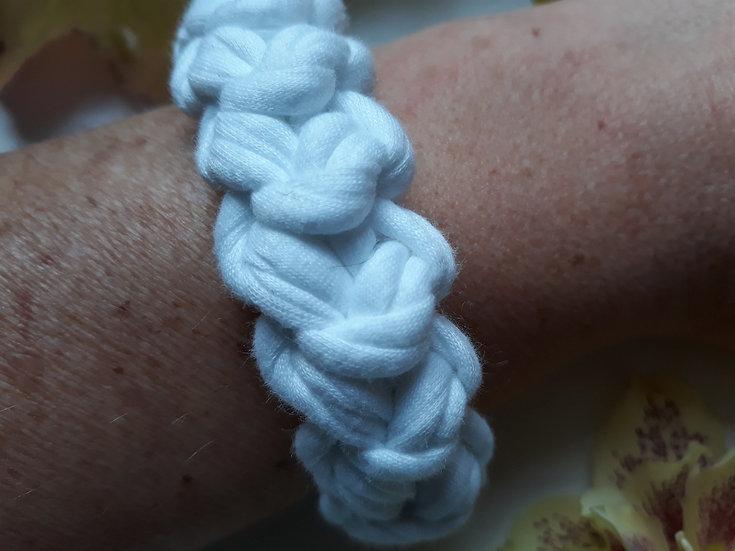 Crocheted bracelet -white
