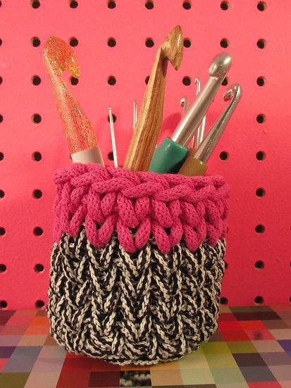 Storage pot - hot pink