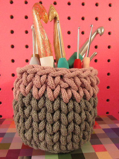 Storage pot - dusky pink
