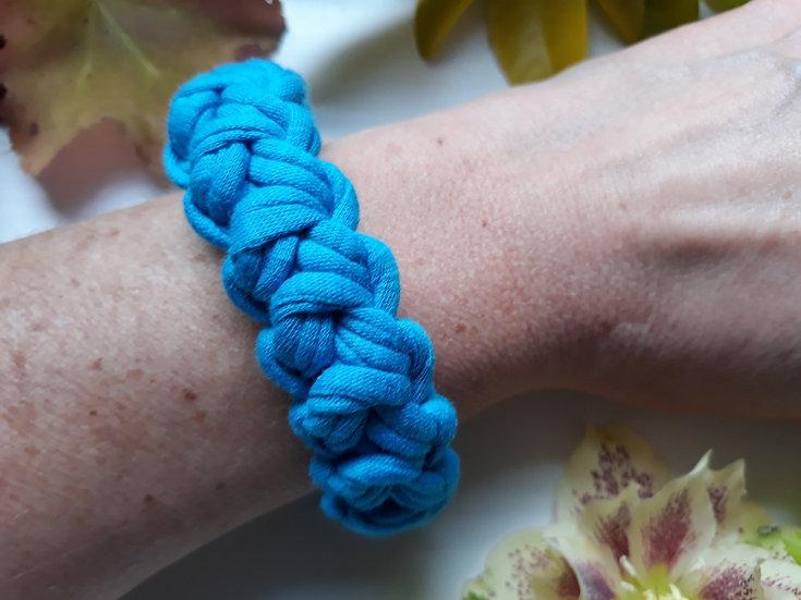 Crocheted bracelet -dark turquoise