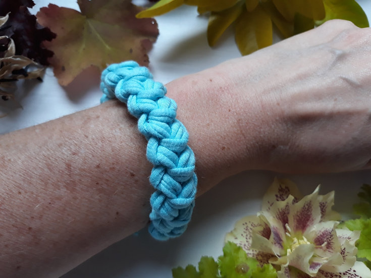 Crocheted bracelet -pale turquoise