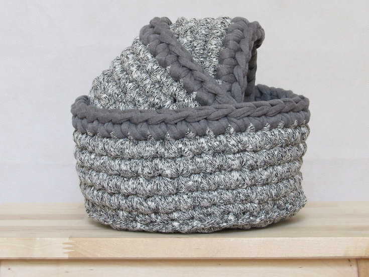 crocheted nesting baskets - grey