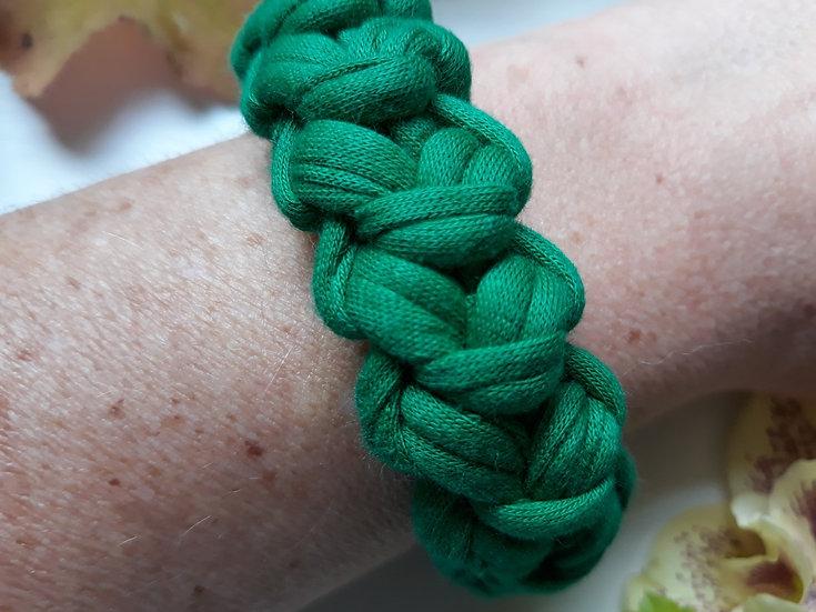Crocheted bracelet - holly green