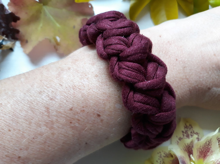 Crocheted bracelet - marled plum