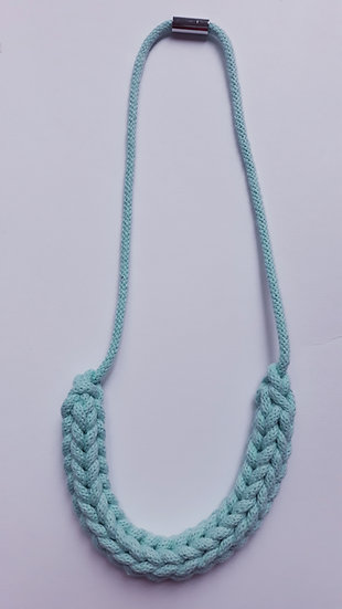 Crocheted necklace - mint