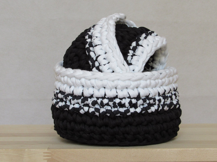 Crocheted nesting baskets - black and white