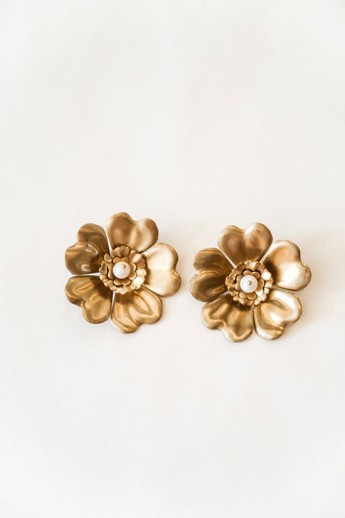 Brass Clover Flowers with Pearl Center