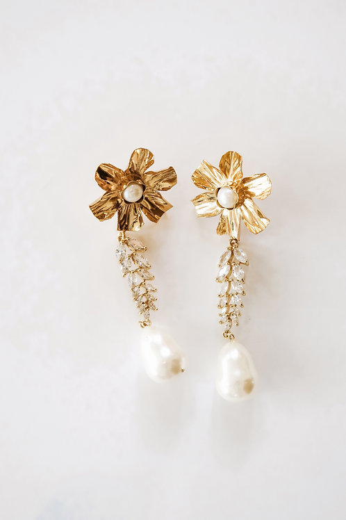 Gold Crinkled Flower & Pearl Drops