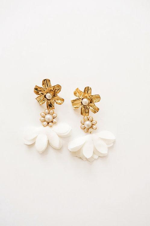 Crinkled Gold Flower & Chiffon Petals