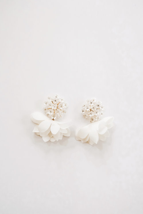 Pearly Flower Cluster & White Chiffon Petals