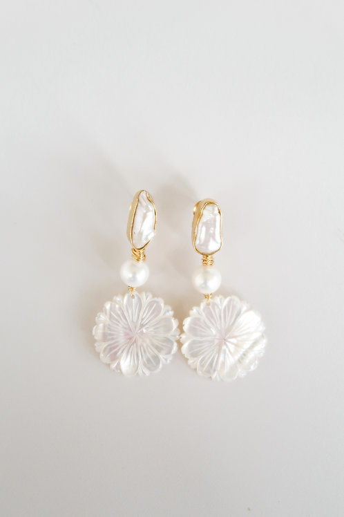 Baroque Pearl Flowers
