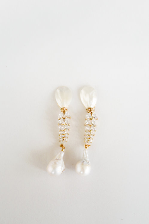 Mother of Pearl, Crystal & Pearls